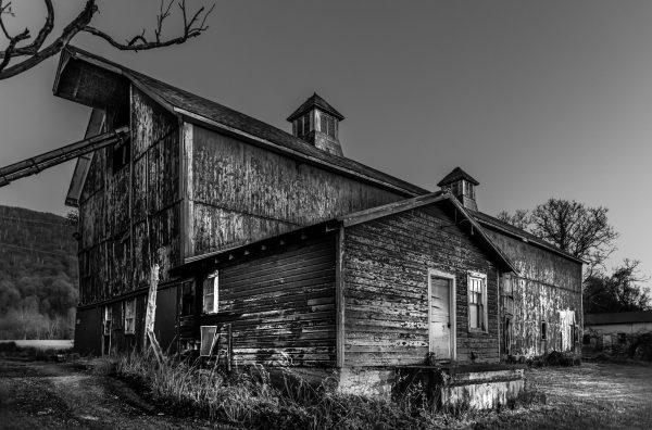 The Old Barn (Black & White)