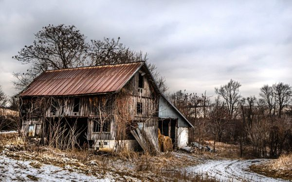 Old Rustic Barn in the Wintertime (Color)